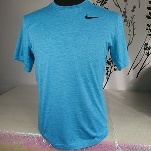 Nike dri fit men's shirt blue size M